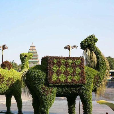 仿真绿雕-骆驼
